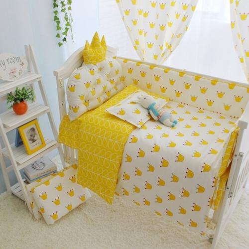 4-10 unids/set Color Amarillo Bebé Cuna Juegos de Cama Juego de Cama Cuna de Algodón 100% Niños Recién Nacidos (bumpers + hoja + colchón + edredón + relleno)