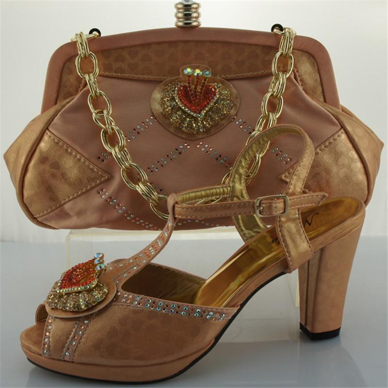 Décoré Royal Et Rouge De Mariage Femmes Bleu Africain Ensemble peach Chaussures Assorti Avec Dernières Sac Appliques CxYp51