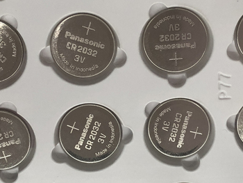 100pcs/lot Panasonic CR2032 3V Lithium Button Cell Battery Batteries For Watch Car Calculator Coin Battery CR 2032