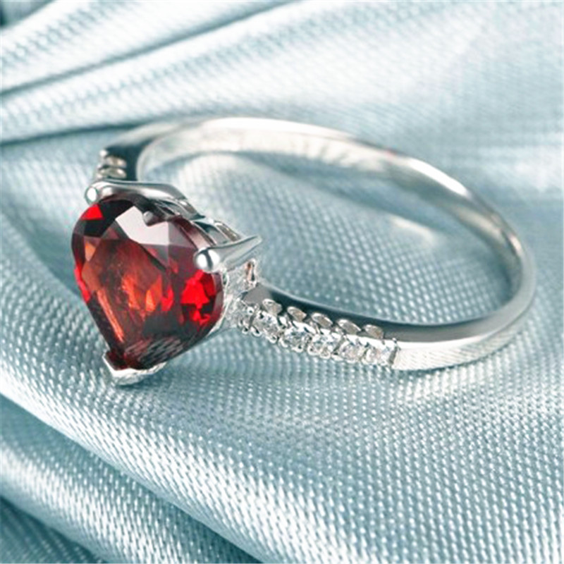 Hot Selling Ring Red 7mm*7mm Garnet 925 Sliver Crystal Jewelry For Wedding/PartyBirthday Free Shipping-in Rings from Jewelry & Accessories on AliExpress