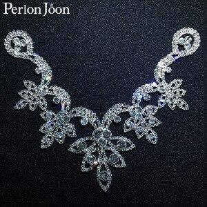 6.5*4.7 in Five Leaf Crystal Neckline sew-on rhinestone adornment for Wedding Dress Skirt Flashing Clothing Accessories YL013