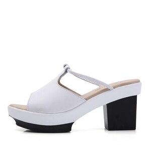 Image 3 - STQ 2020 קיץ נשים שטוח פלטפורמת שקופיות נעלי סנדלי נעליים להחליק על בוהן פתוח לבן אמיתי עור עקב גבוהה סנדלי 878