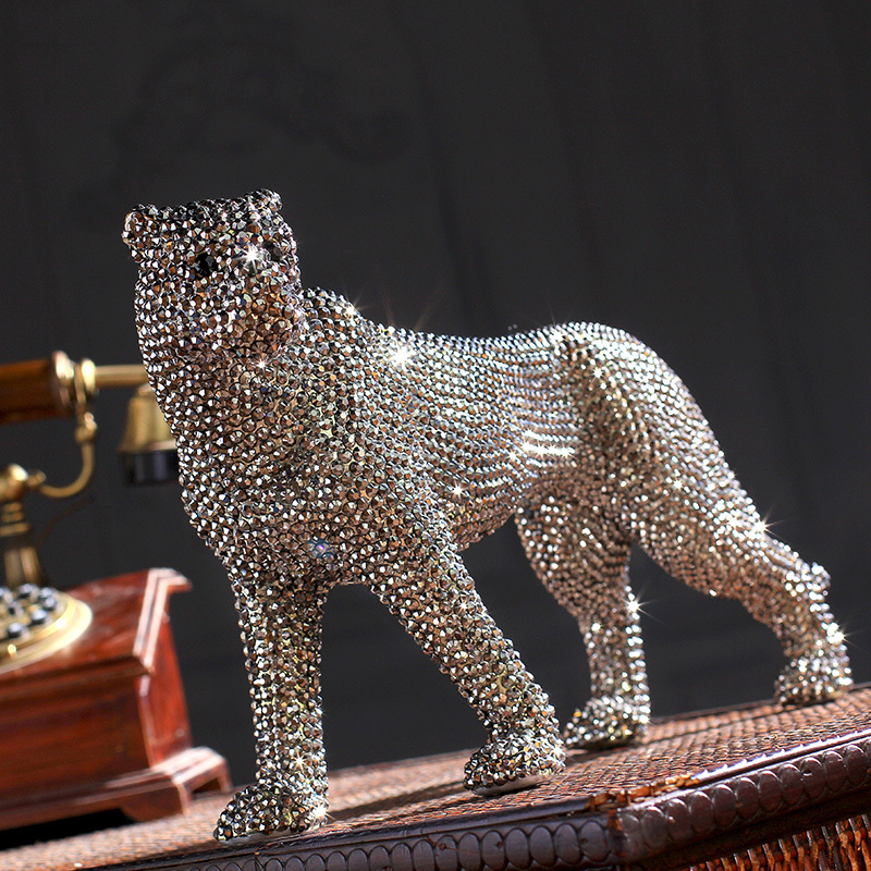 Creative Handmade Diamond Encrusted Modern Ceramic Leopard Figurine Ceramic Statue For Home Decoration Ceramic Animal