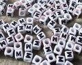 100 шт./лот акрил единый Алфавит/буква М Cube Бусины, DIY Свободные Бусины 6x6 мм 738 - фото