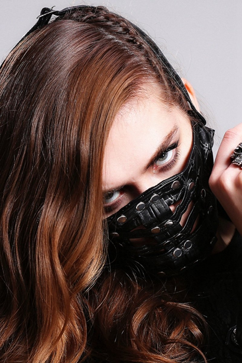 Devil Fashion Women's Textured Faux Leather Studded Muzzle MK009F