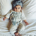 Bebé infantil Niñas Ropa Caliente Letras de Manga Larga Mamelucos Del Bebé Del Mono Del Bebé Ropa Otoño Invierno 0-18 Meses