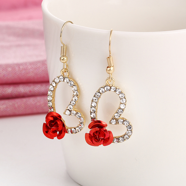 E0396 Love Heart Drop Earrings For Women Vintage Flower Rose Dangle Earrings Crystal Rhinestone Jewelry Statement Exquisite Gift