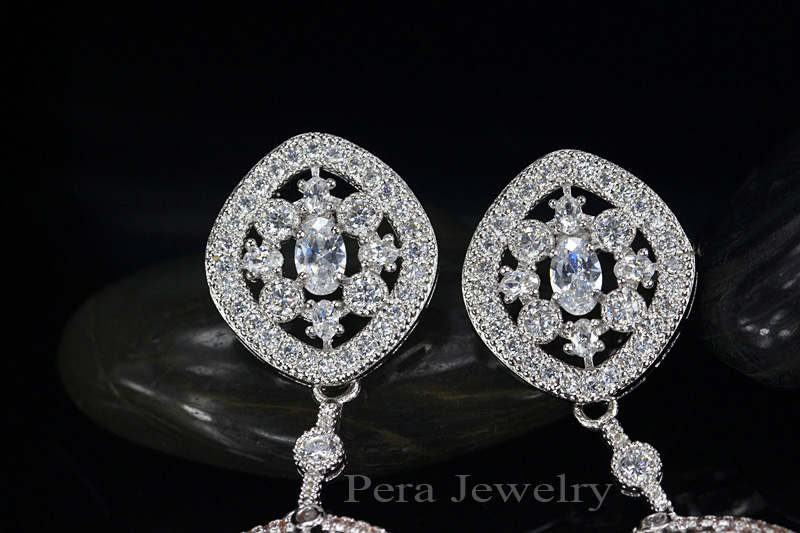 Pera Elegant Design Large Dangle 6 8cm Full Sparkling Stone Star