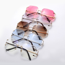 SARA SHOP 2017 NEW Women unique rimless sunglasses retro oversized glasses A207