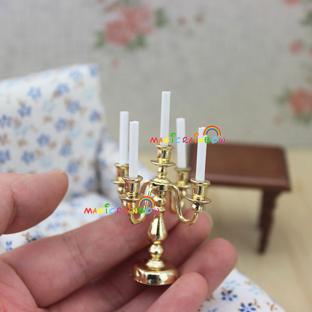 Il Colore Delle Candele.Us 5 99 1 12 Dollhouse Miniature Cinque Bianco Luce Delle Candele Con Il Supporto Modello Colore Dorato Altezza 55mm 2 1 In 1 12 Dollhouse