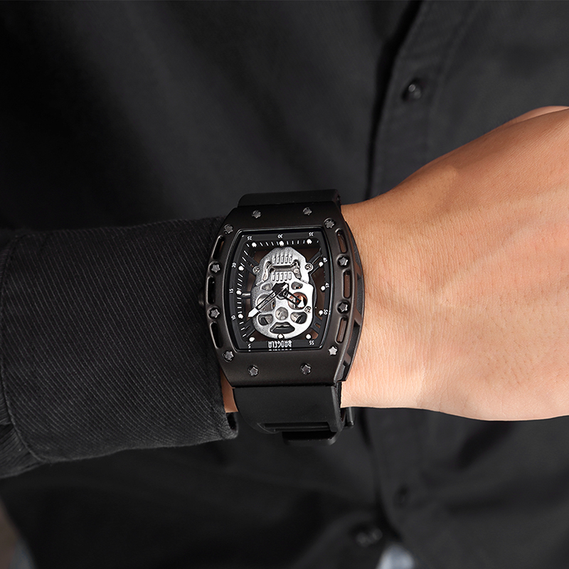 Men Quartz Watch Mens Silver Skull Wristwatch Male Waterproof Clock