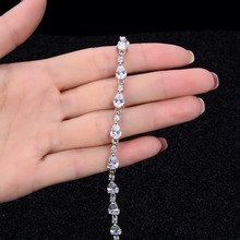 FINE4U B005 Chain Zirconia Bracelet