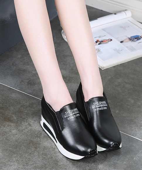חם חדש נשים מטפסי סתיו הגדלת גובה נעליים מזדמנים להחליק על מוקסינים פלטפורמת טריז העקב אופנה גומייה הנעלה