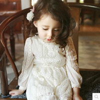 2018 New Retail Lace Flower Girl Dress Plus Velvet Children Kids Beautiful Wedding Dress Girl Party Pageant Princess Dress CC247