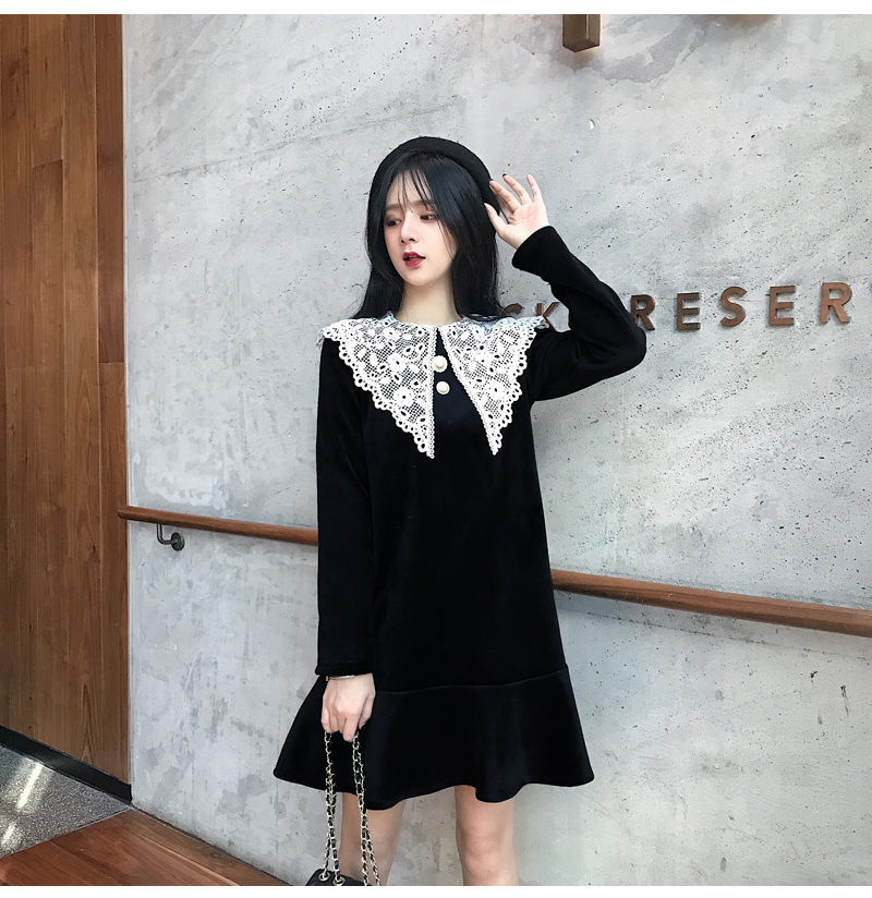 Gothic Style Women Velvet Dresses Black Velour Dress White Crochet Lace Collar Vestidos Mujer Loose Fitting Dress Plus Size (3)