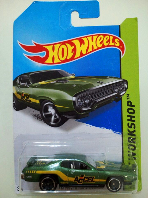 Hot Wheels Ford Series Green 71 Plymouth Road Runner Alloy Car Toys