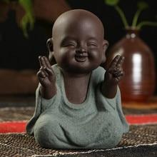 Estatuas de Buda, pequeño Monje, Color arena, cerámica, hogar, Club, decoración geomántica, figura púrpura, té, mascota