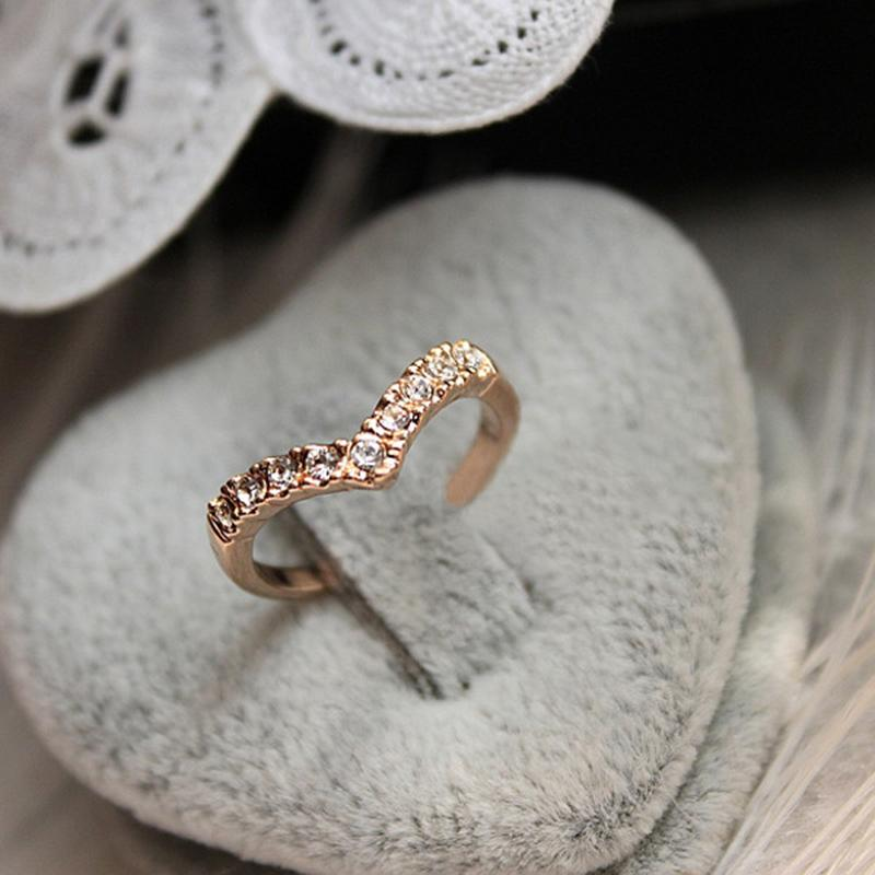 2017 New Wholesale Full Drills V Style Gold Color Rings for Women