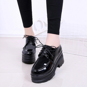 Image 4 - LUCYEVER zapatos de tacón alto para mujer con plataforma cuña, calzado informal de punta redonda con cordones, de piel sintética, color negro