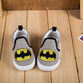 Nuevo Otoño Niños Zapatillas Lona de Los Niños Zapatos de Las Muchachas Zapatos de Bebé Primer Caminante Zapatos Deportivos Spiderman Batman Bebé Zapatillas de Chicos