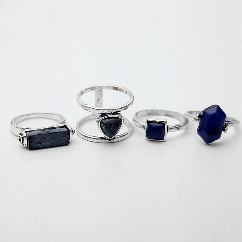 Vintage rings 4 PCS 1