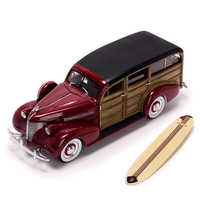 1/18 Scale Alloy Diecast 1939 Chevrolet Woody Surf Wagon Classic Car Model Vehicles Toys for Fans Toys Red/Green Collection Boys