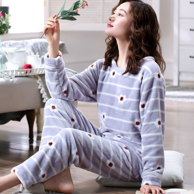 Warm Pajamas Female Winter Coral Fleece Cartoon Women Pajamas Set 2018 Flannel Thick Pyjamas Women Long Homewear Pijamas Woman in Pajama Sets from Underwear Sleepwears