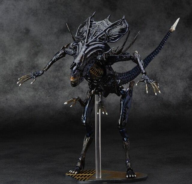 Фигурка Чужой Queen Xenomorph 18 см