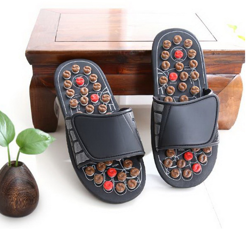170608/Summer massage slippers / feet foot acupoint foot massage shoes / tai chi men and women summer home couple cool slippers  natural pebble foot massage slippers point massage shoes men and women couple home skid shoes tb20903