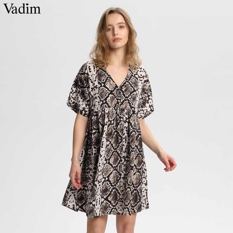 Vadim femmes élégant serpent imprimer mini robe V cou courtes manches droite plissée femelle décontracté lâche robes mignonnes robes QA535