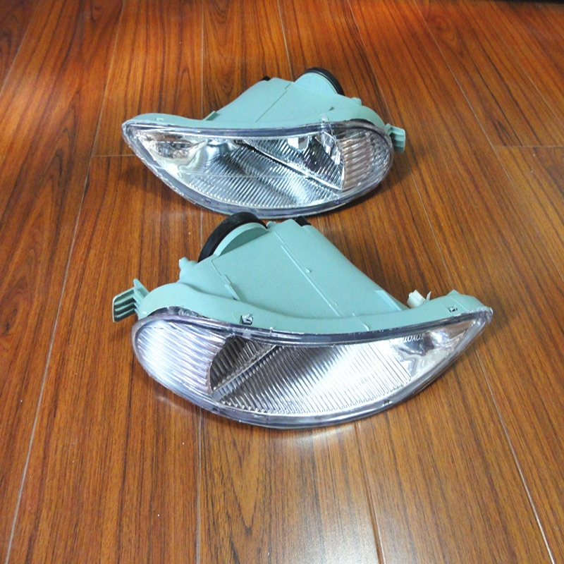 1Pair Clear Left & Right Side Front Bumper Driving Lamps Fog Lights Without Bulbs For Toyota Camry 2002-2004 1pair clear lens fog lights bumper driving lamps with bulbs for nissan altima sedan 2007 2012