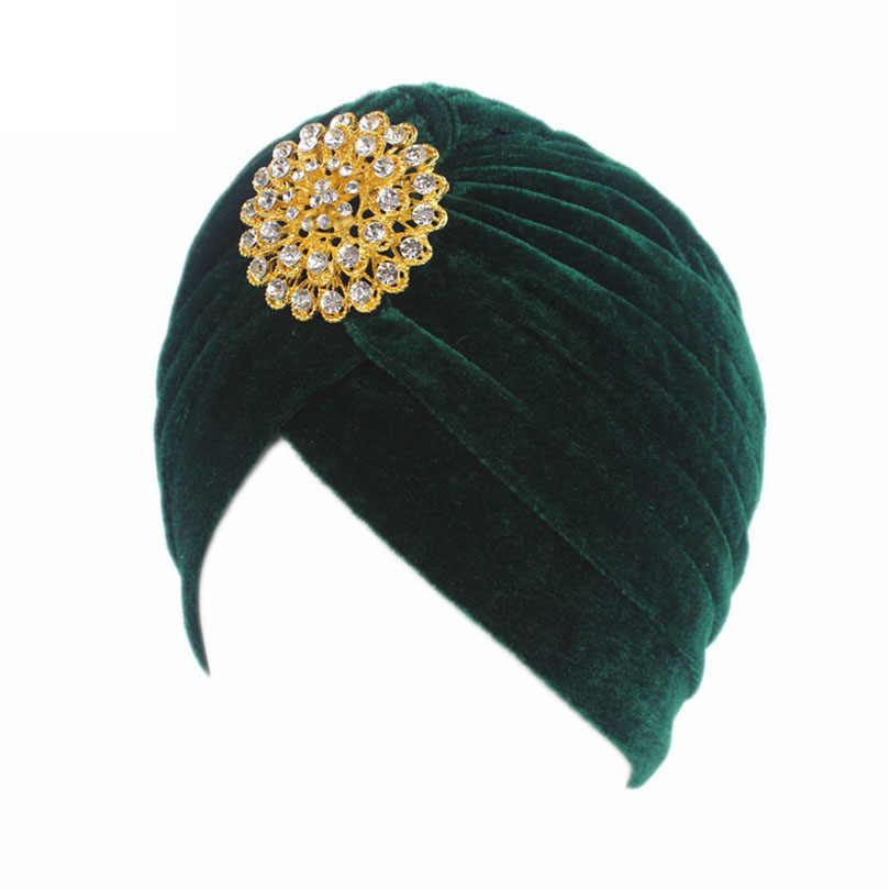 ca13d64ce17 ... Haimeikang Retro Women Velvet Knit Turban Beanie Hats Headwraps 1920s  Gatsby Cap Flapper Hat Twist Pleated ...