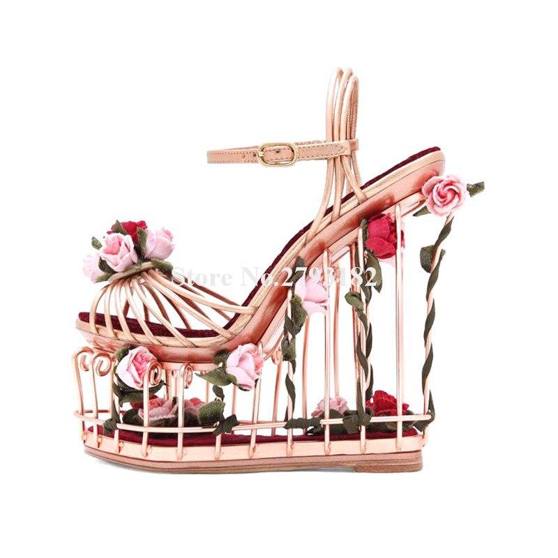Femmes charmant bout ouvert en métal doré en cage Design sandales compensées à plateforme haute bas découpé fleurs en cage sandales à talons compensés