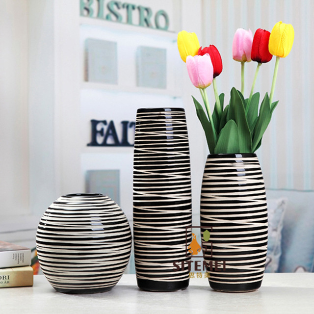 Semplice contratto in bianco e nero di ceramica vasi casa for Vasi arredo interni
