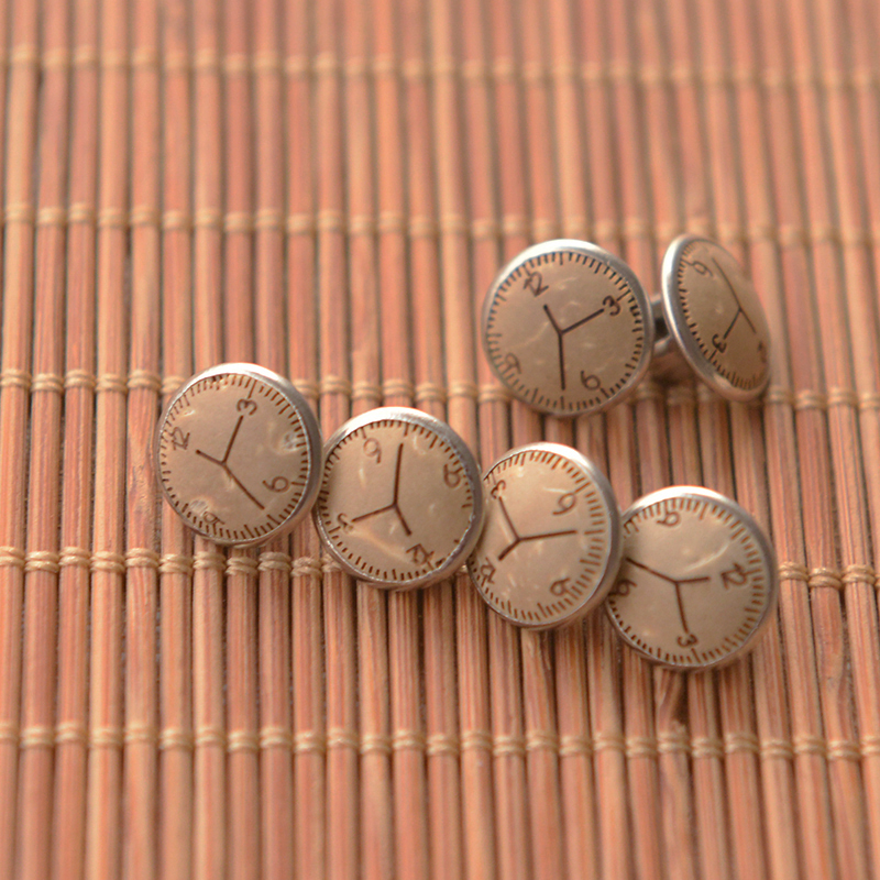 1.1cm Resin Retro Carving Clock Aluminum Button Shirt Decoration Manual DIY Button Accessories
