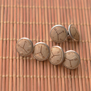 1,1 см смолы ретро часы с резьбой по дереву алюминиевые кнопки рубашки украшения ручные DIY Аксессуары Кнопки