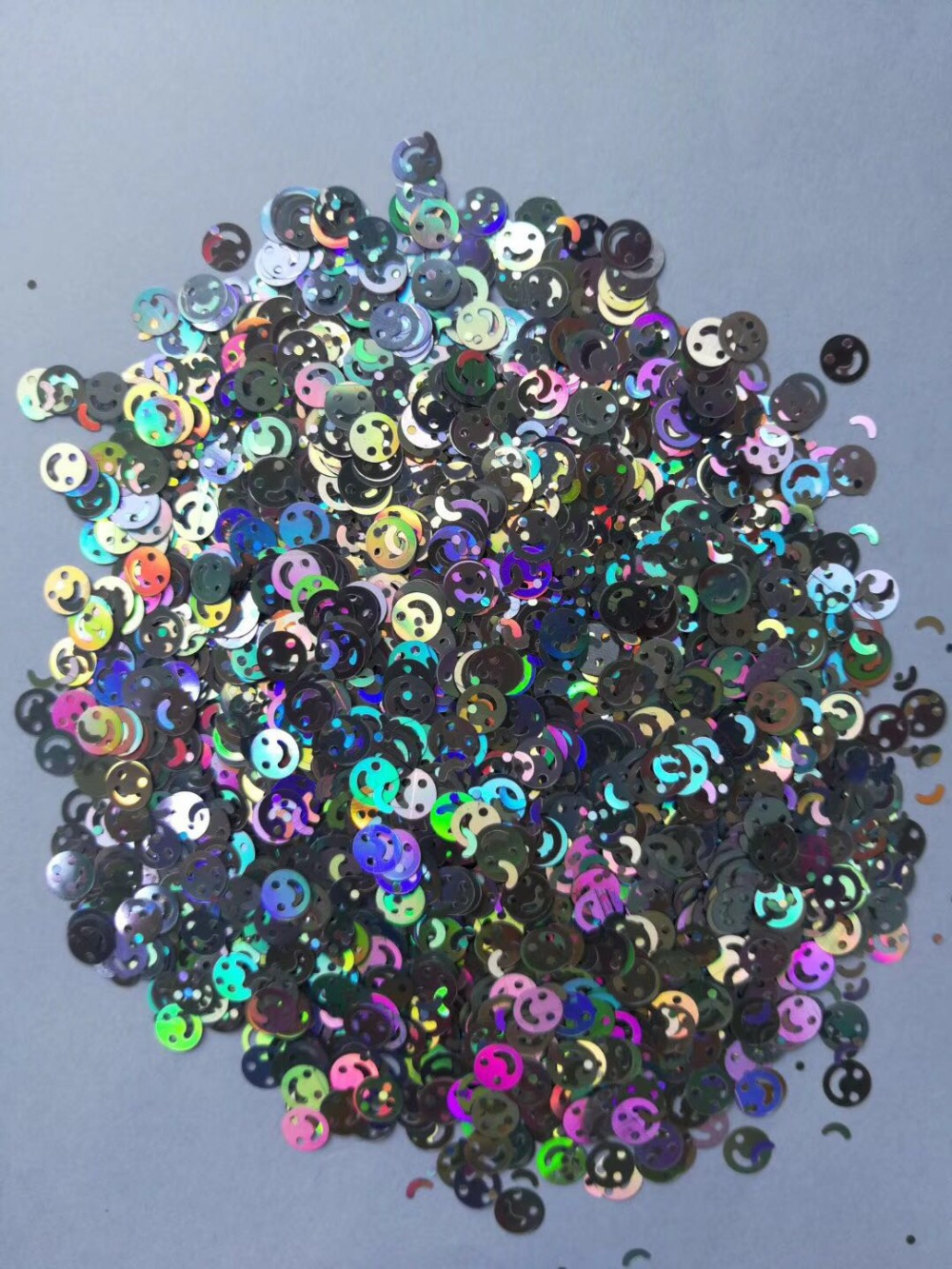 Silver Smile Face Loose glitters UV resin / Holographic / Solvent Resistant / Slime Art / Nail Art / Resin Jewelry 500 grams цена