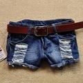 2016 Meninas Retro Cintura Baixa Ripped Flange Buraco Wash Branca Jean Denim Shorts