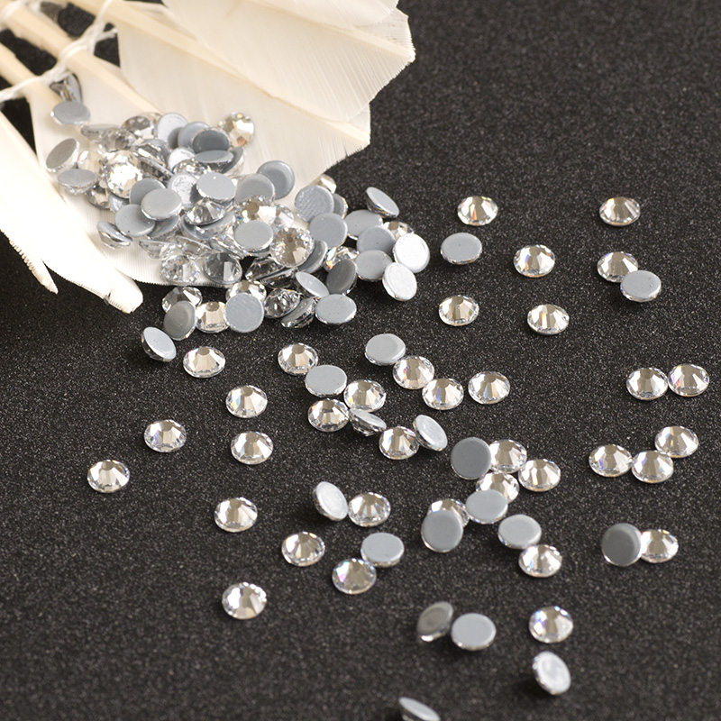 ... Clear White Crystal Hot Fix Rhinestones Transfer Glass Strass Stones  and Crystals Iron on Clothes Wedding Dress. В избранное. gallery image.  Наведите ... c66067270b2d