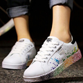 2017 Moda Unissex Mulheres Chaussure Superstar Lace Up Graffiti Clássico Snearkers Branco Placas de Jogging Casual Shoes Zapatos G412