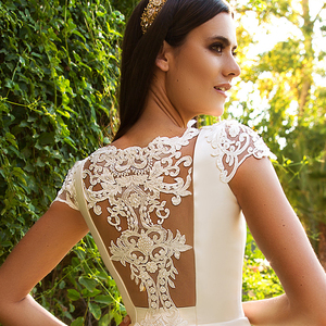 Image 3 - New Listing Short Sleeve Bridal Dresses Beading Appliques Illusion Back France Satin Wedding Gowns Vestidos De Boda
