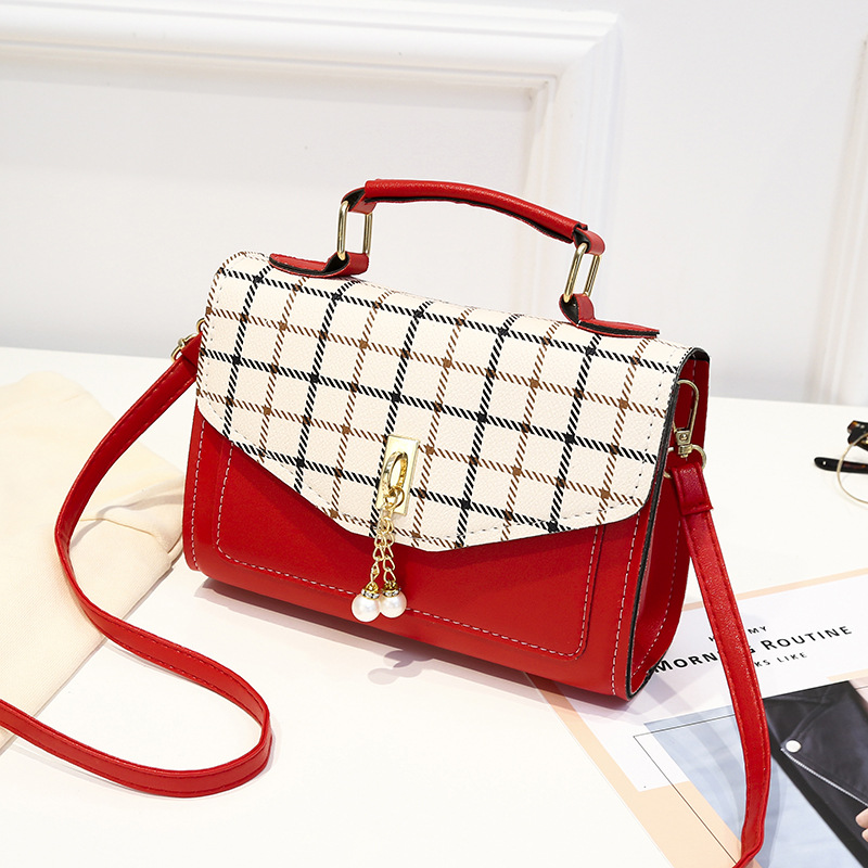 2019 Fashion New Women Leather Handbags Luxury Brand Designer Pearl Shoulder Bag Ladies Summer High Quality Small Messenger Bags in Shoulder Bags from Luggage Bags