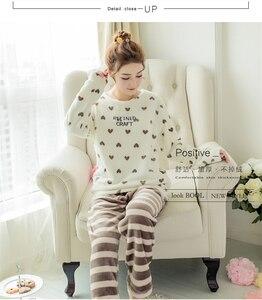 Image 2 - Herbst Winter Frauen Pyjamas Sets Korallen Fleece Nachtwäsche Warme Bademantel Nachthemden Kimono Pyjama Startseite Kleidung Korallen Fleece