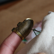 Retro Handworking Sewing Thimble Finger Protector Needlework Metal Brass Tools Accessories Free Shiping