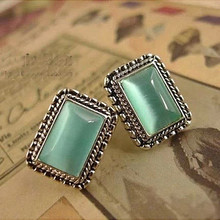 цены на Latest Fashion Brincos Vintage Artificial Gemstone Stud Earrings Women Handmade Girls Antique Silver Stud Earring Earing Jewelry  в интернет-магазинах