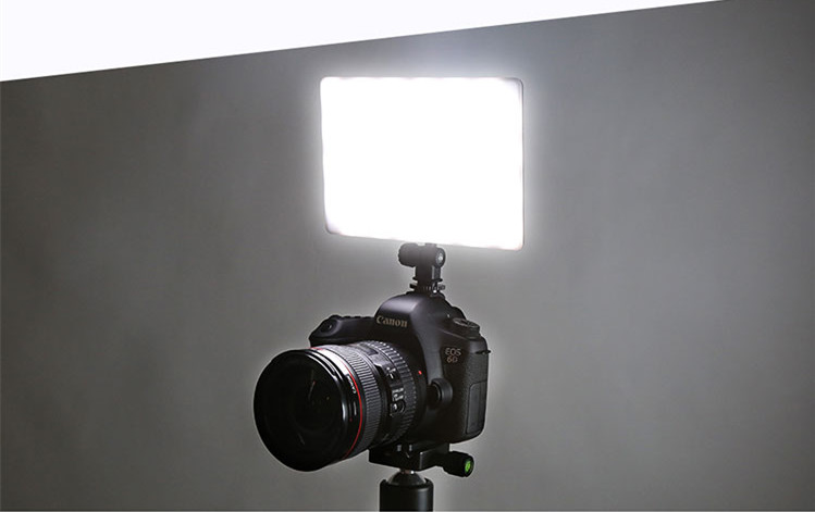 16W 5600K  LED Video Light Dimmable Flat Panel On-camera Light CD5016W 5600K  LED Video Light Dimmable Flat Panel On-camera Light CD50