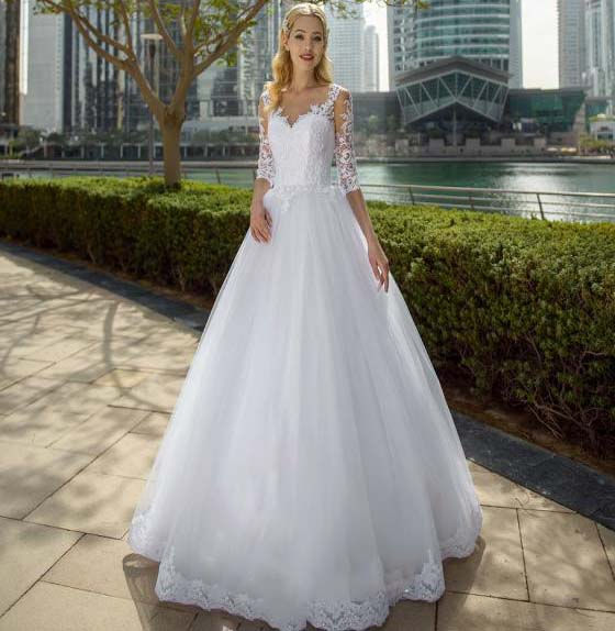 Charming A-line Princess Lace Top Wedding Dresses Half Sleeve Up Back Sweep Train Bridal Gown Country Garden