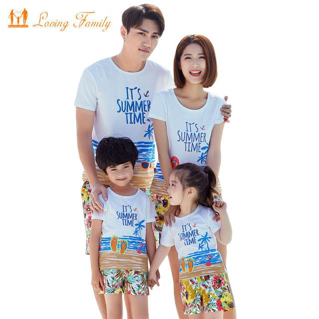 6c13be7575c0 2019 Summer Style Print Boy Girl T shirt Shorts Family Clothing Dad Son  Mother and Daughter Clothes set Family Matching Outfits