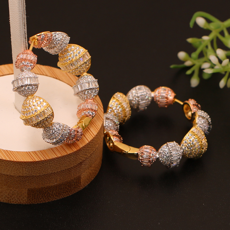 Lanyika Fashion Jewelry Elegant Exaggerated Balls Round Hoop Earrings Micro Inlay Wedding Engagement Luxury Earring Best Gift