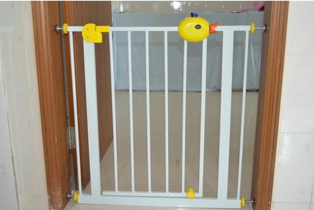 El niño del bebé puerta de seguridad del bebé valla valla mascota aislamiento perro valla barandilla de la escalera